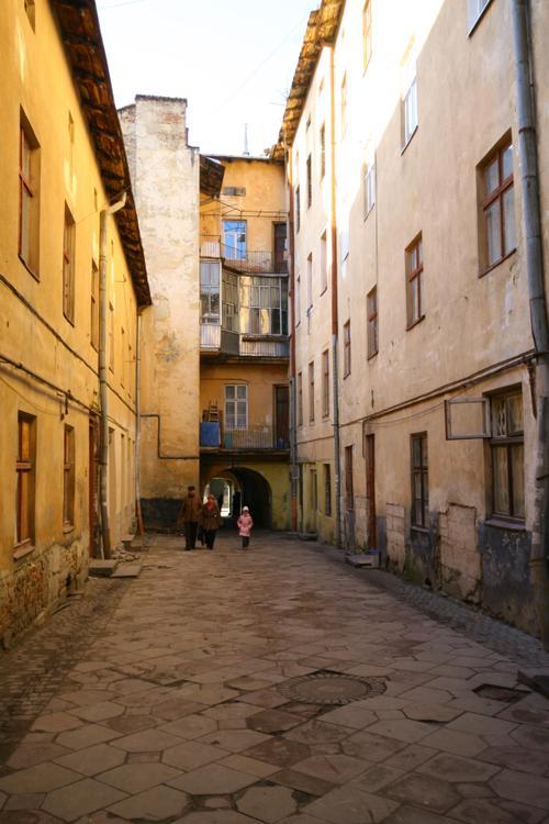 Ruelle, Lviv